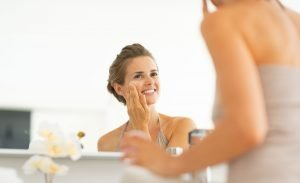 Le peeling maison: un soin pour faire peau neuve